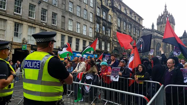 Pro- and anti-Muslim protesters face off in Edinburgh