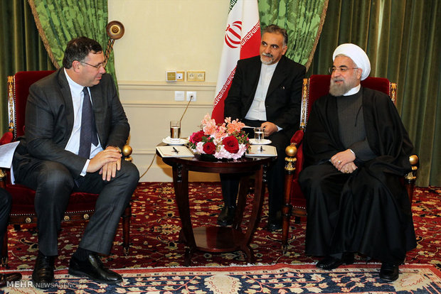 Rouhani: Iran-Total deal 'scientific, high-tech, management cooperation'